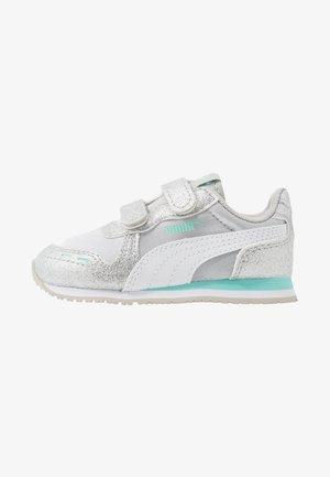 CABANA RACER GLITZ  - Sneakers laag - gray violet/white