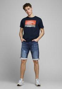 Jack & Jones - REX - Jeans Shorts - blue denim - 1