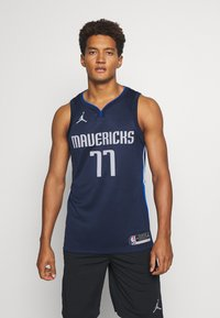 Nike Performance - NBA DALLAS MAVERICKS LUKA DONCIC SWINGMAN  - Article de supporter - college navy/game royal/white - 0