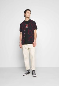 Night Addict - MORTAL - T-shirt med print - black - 1