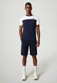 Napapijri - S-ICE COLOUR BLOCK - Print T-shirt - medieval blue - 1