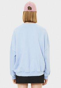 Bershka - Stickad tröja - light blue - 2