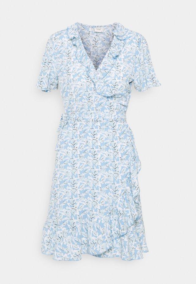 JDYMILO FLOWER WRAP DRESS - Vapaa-ajan mekko - allure/misty blue