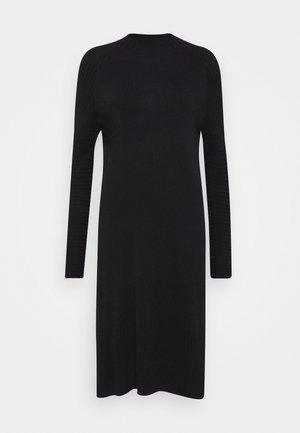 QUIL - Strikket kjole - black