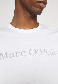 Marc O'Polo - SHORT SLEEVE - T-Shirt print - off-white - 5
