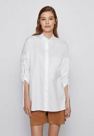 BENIMA - Overhemdblouse - white
