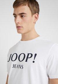 JOOP! Jeans - ALEX - Camiseta estampada - white - 3
