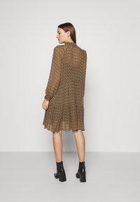 Second Female - PRADOTO DRESS - Denní šaty - bistre - 2