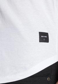 Only & Sons - ONSMATT LONGY TEE 3 PACK - T-shirt - bas - white - 4
