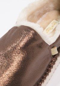 flip*flop - FLIPPADRILLA  - Slippers - brown sugar - 6