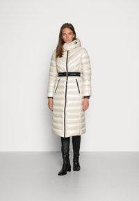 Calvin Klein - LOFTY COAT - Down coat - bleached stone - 0