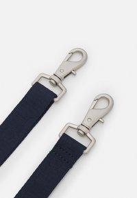 Tommy Jeans - HERITAGE CROSSOVER - Taška spříčným popruhem - blue - 3