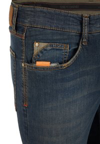 Club of Comfort - MIT HIGH-STRETCH - Slim fit jeans - mittelblau 242 - 4