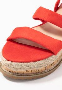 Public Desire - FRESCA - Sandály na platformě - red - 2