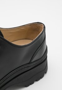 ARKET - SHOES - Derbies - black - 5