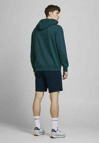 Jack & Jones - Shorts - navy blazer - 2