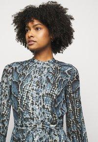 Temperley London - OCELOT PRINTED DRESS - Košilové šaty - powder blue - 3