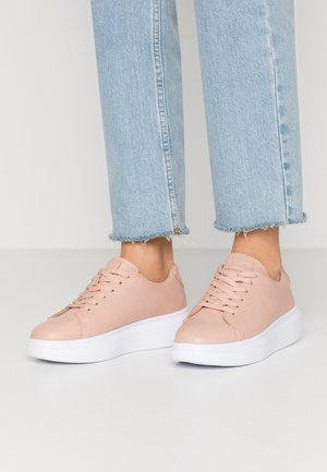 BASIC COURT TRAINERS - Trainers - dusty pink
