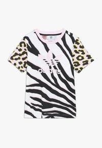 adidas Originals - TEE - T-shirt med print - pink/black - 0