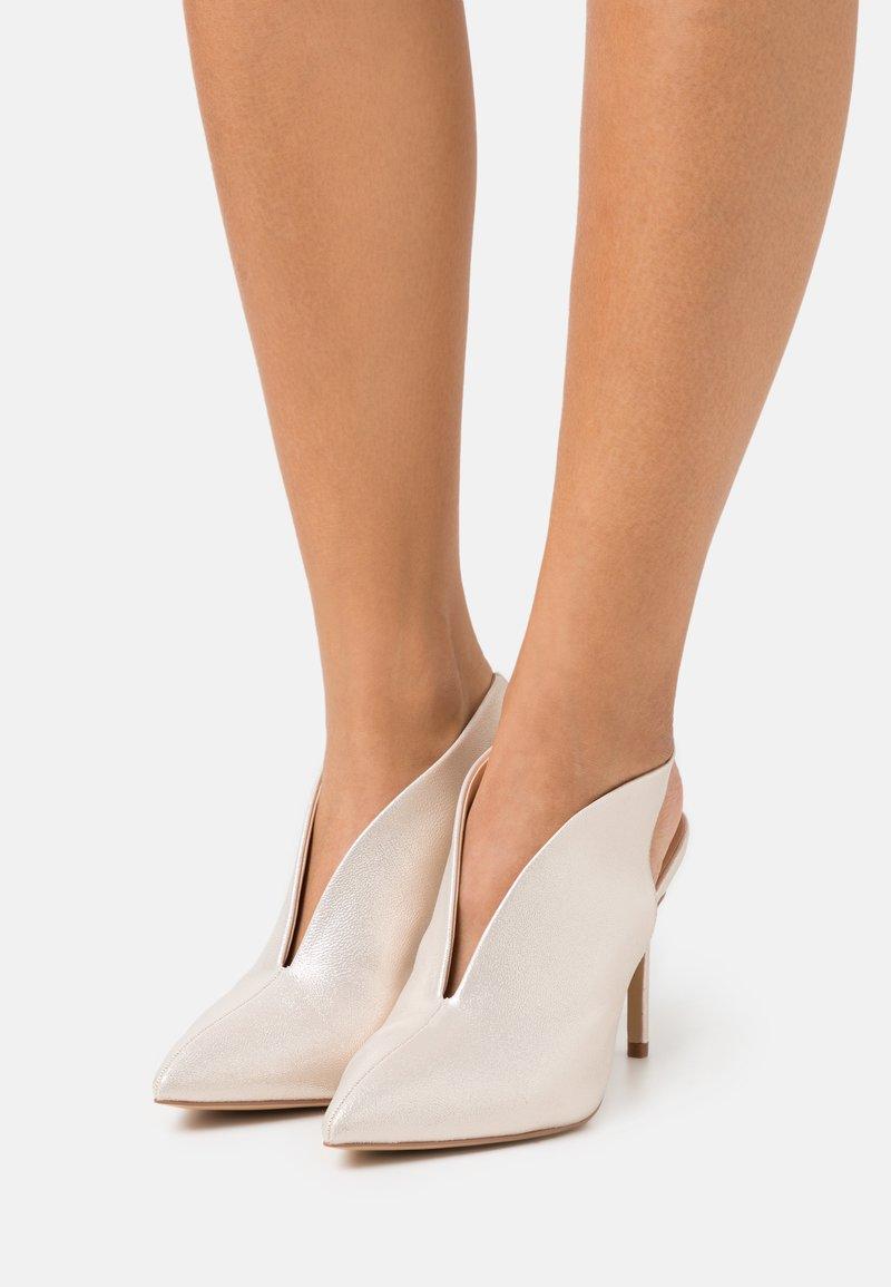Wallis - POND - High heels - gold shimmer