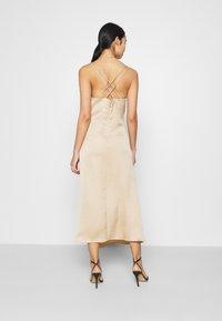 Vero Moda - VMCENTURY OPEN BACK DRESS - Ballkjole - gilded beige - 2