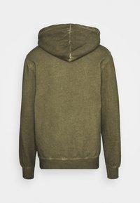 Han Kjøbenhavn - CASUAL HOODIE - Hoodie - green crush - 8