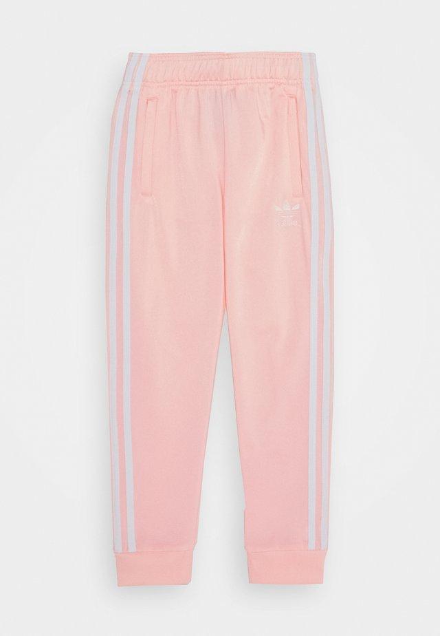 ADICOLOR PRIMEGREEN PANTS - Pantaloni sportivi - hazcor/white