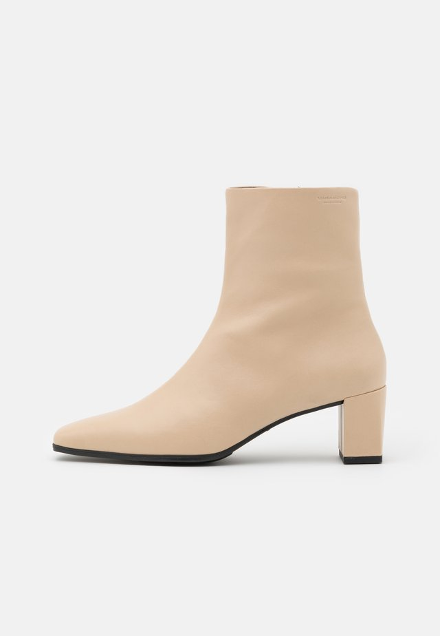 TESSA - Classic ankle boots - toffee