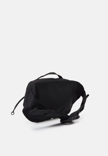 BOZER HIP PACK III  L UNISEX - Bum bag - sweet lavender/black