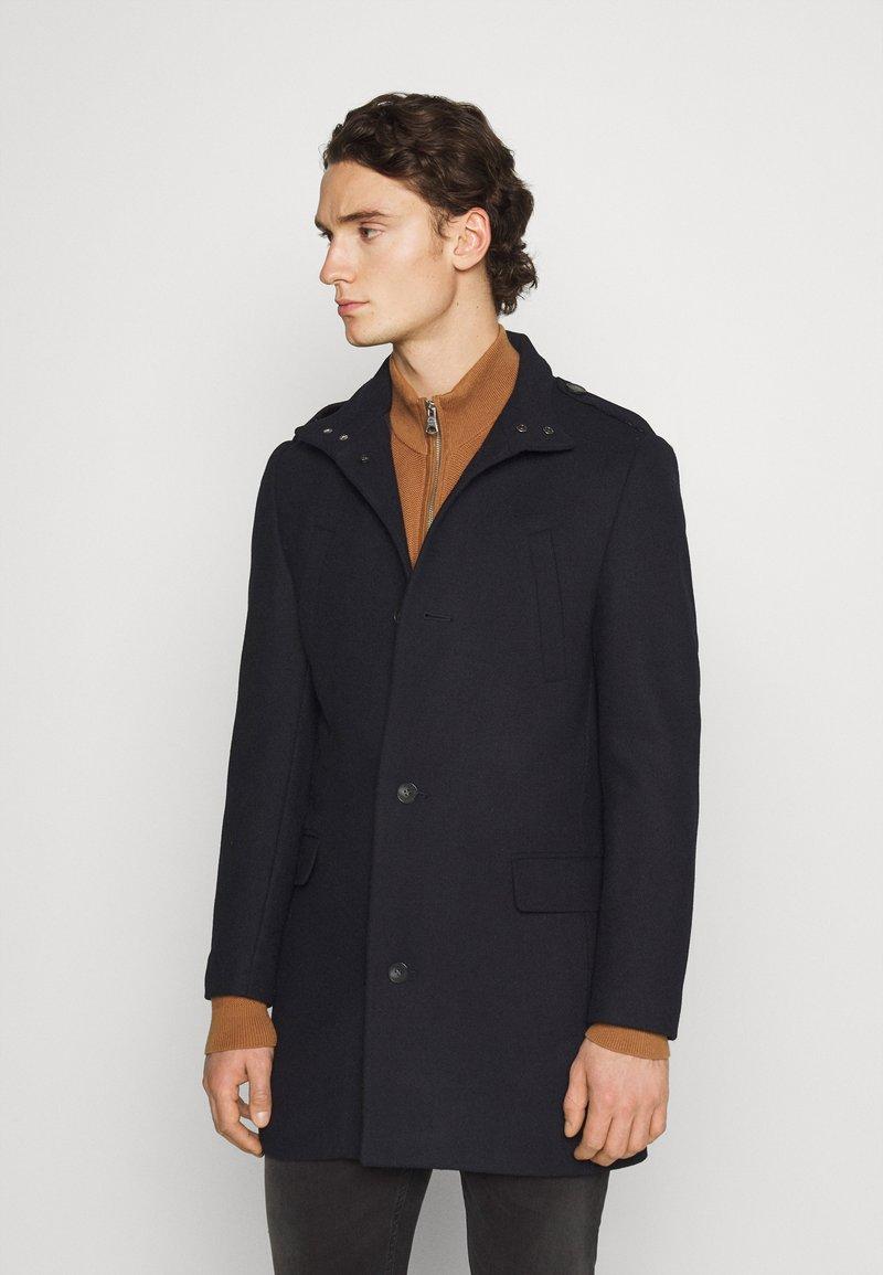 Isaac Dewhirst - FUNNEL COAT - Classic coat - dark blue