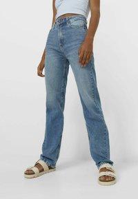 Stradivarius - Jeans straight leg - light blue - 0