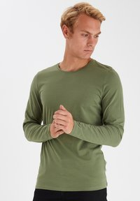 Casual Friday - THEO LS  - Long sleeved top - olivine - 0