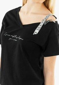 Guess - Print T-shirt - noir - 3