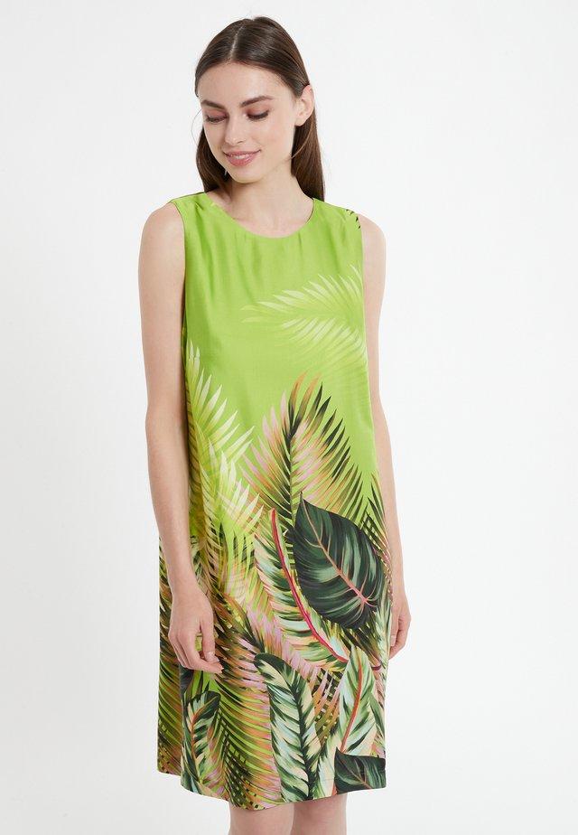 CASMO - Korte jurk - grün