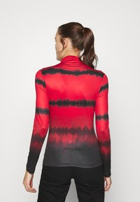 Who What Wear - RUCHED TURTLENECK - Long sleeved top - red tie dye - 2