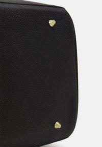 SIKSILK - HOLDALL - Weekend bag - black - 3