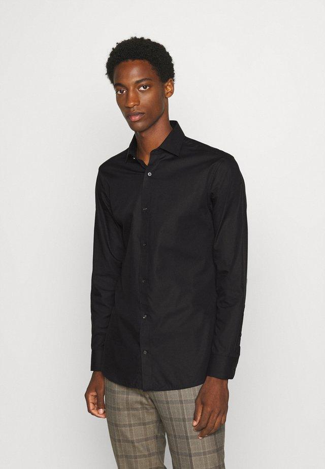 JPRBLAROYAL - Zakelijk overhemd - black