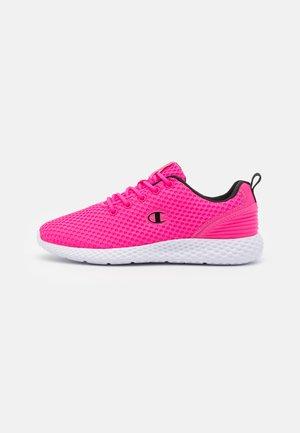 LOW CUT SHOE SPRINT - Scarpe running neutre - pink