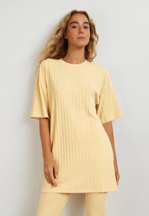 IDA  - T-shirt basic - reed yellow