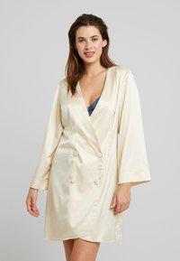 OW Intimates - AUDREY KIMONO - Dressing gown - champagne - 0