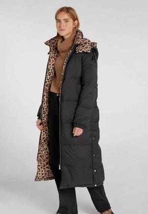 Winter coat - black camel