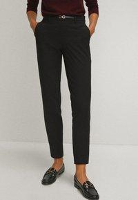 Massimo Dutti - Spodnie materiałowe - black - 0