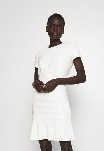 KILANAS CLOQUE - Jersey dress - natural