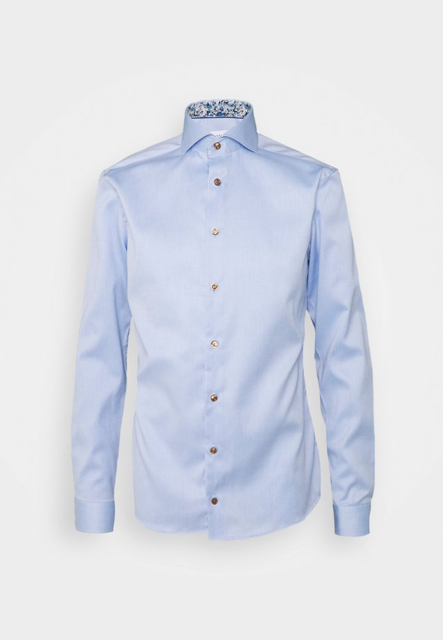 SUPER SLIM LIGHT BLUE SIGNATURE SHIRT DAISY DETAILS - Kauluspaita - blue