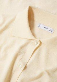 Mango - BOTONES - Vest - vainilla - 6