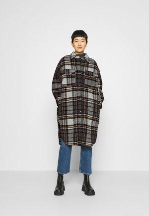 ROXYE - Zimní kabát - bone/brown