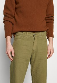 YMC You Must Create - TEARAWAY - Džíny Relaxed Fit - olive - 3