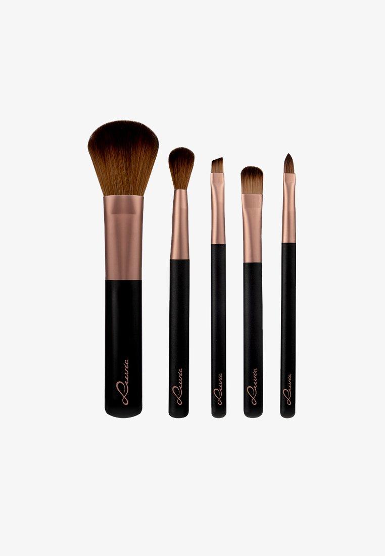 Luvia Cosmetics - TRAVEL TUBE - Makeup brush set - -