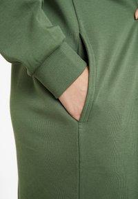 Monki - MINDY DRESS - Jerseykjole - sage green - 5