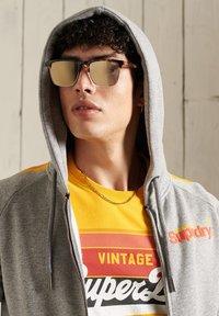 Superdry - CORE LOGO CALI RAGLAN  - Zip-up hoodie - grey slub - 1